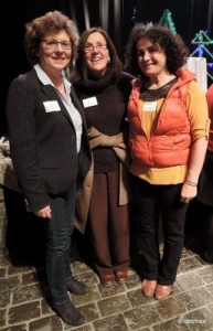 Brigitta Schulz, Regina Jäck und Fariba Hatami auf dem Forum Flüchtlingshilfe